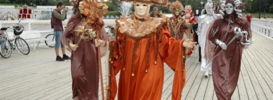 Bajeczny pokaz kostiumów weneckich w Orłowie!