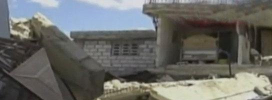 Blaszane budynki podczas trzęsienia ziemi