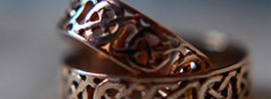 Dzieje i funkcje biżuterii